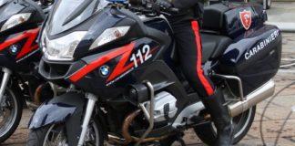 Tenta la fuga dopo l'alt dei Carabinieri, motociclista 20enne arrestato: IL NOME