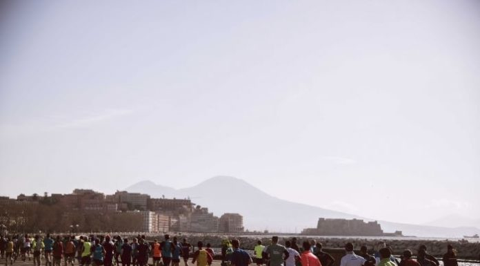 "Napoli City Half Marathon, Luigi de Magistris: ""Correre e vivere insieme la città"""