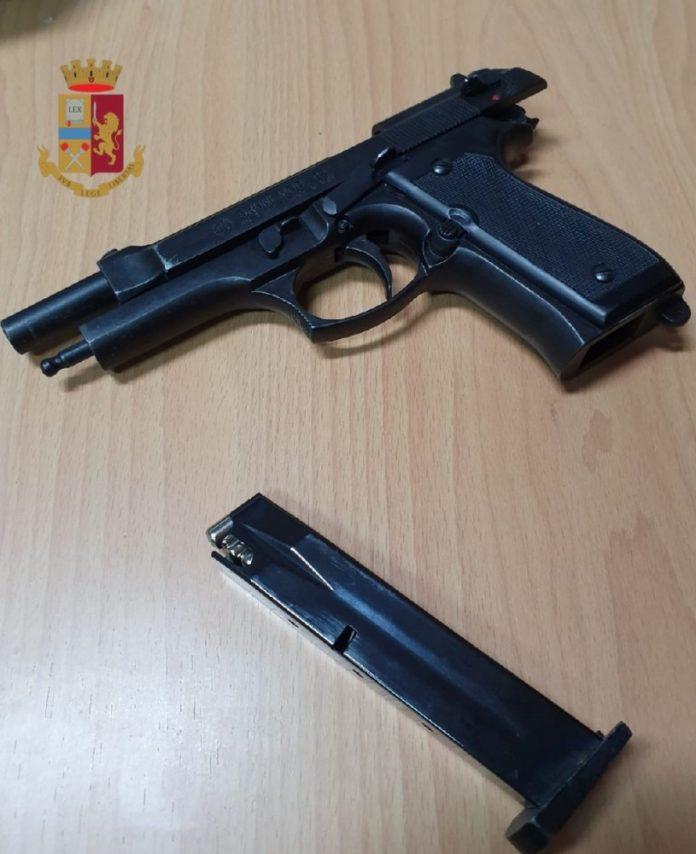 Napoli, Poggioreale: Blitz della polizia al Rione Luzzatti. Sequestri e denunce