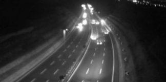 Tangenziale, scooter contromano di notte: identificati sette giovani