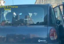 Napoli, scoperti tassisti abusivi con auto senza revisione