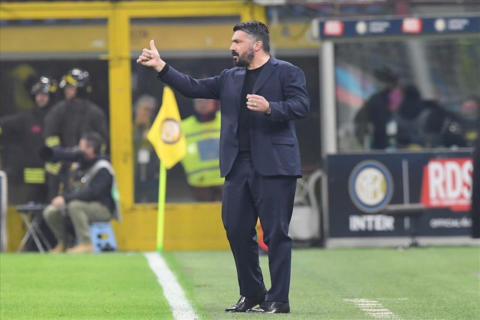 Metamorfosi Calcio Napoli: la coppa lo fa bello. Inter - Napoli 0-1. Ruiz avvicina gli azzurri alla finale