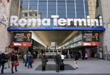 Roma, Stazione Termini: donna scappa in Germania e abbandona neonato in carrozzina. Arrestata