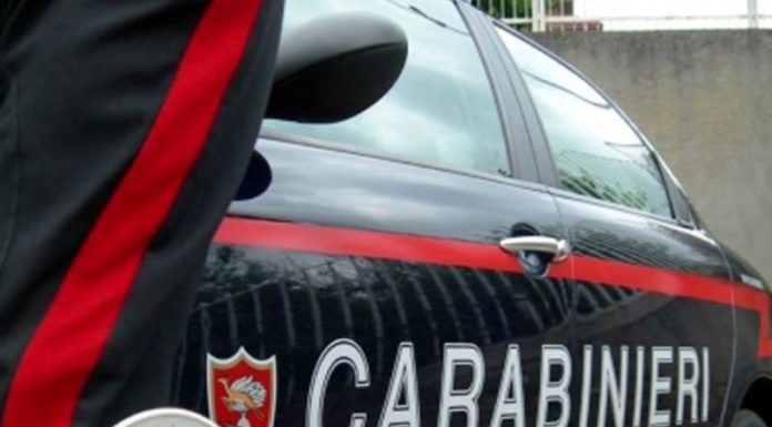 Castellammare di Stabia, usura ed estorsione: madre e figlia arrestate