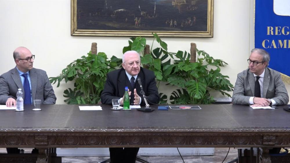 """De Luca sul Coronavirus: """"Avanti tranquilli. 200 posti letto riservati per le emergenze"""""""