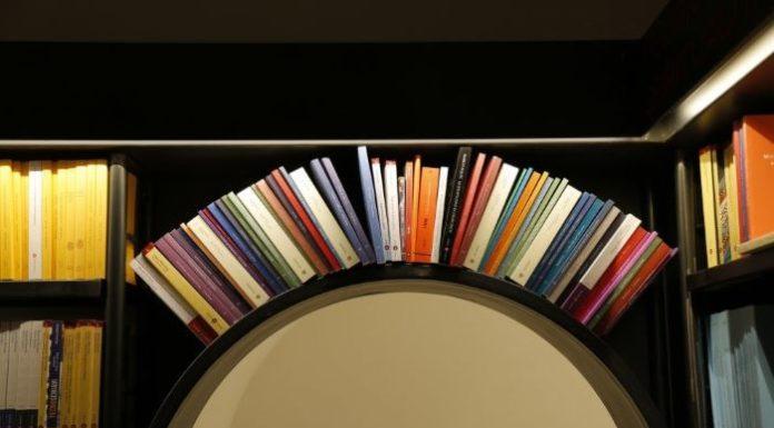 Napoli, in piazza Bovio arriva The Spark: una nuova libreria a 3 piani