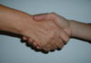 Coronavirus, la Curia di Napoli invita ad astenersi dal segno di pace