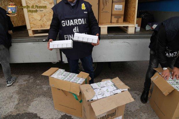 Traffico internazionale di sigarette di contrabbando gestito dai Di Lauro