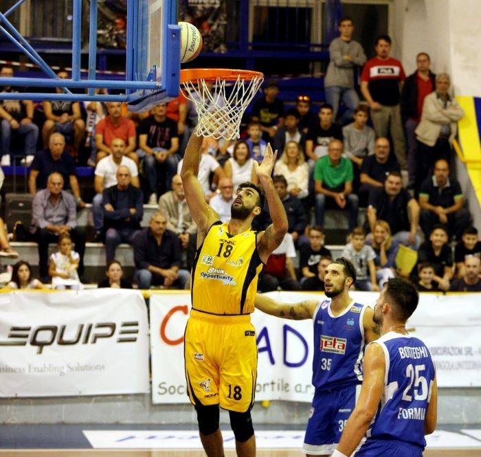 Basket, la Virtus Bava Pozzuoli perde il derby contro Psa Sant'Antimo