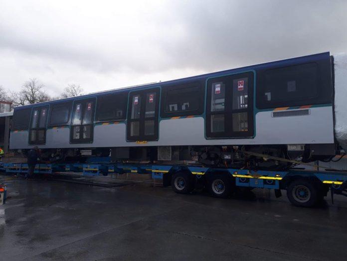 Trasporti a Napoli: Aggiornamenti su nuovi treni metro e Linea 6