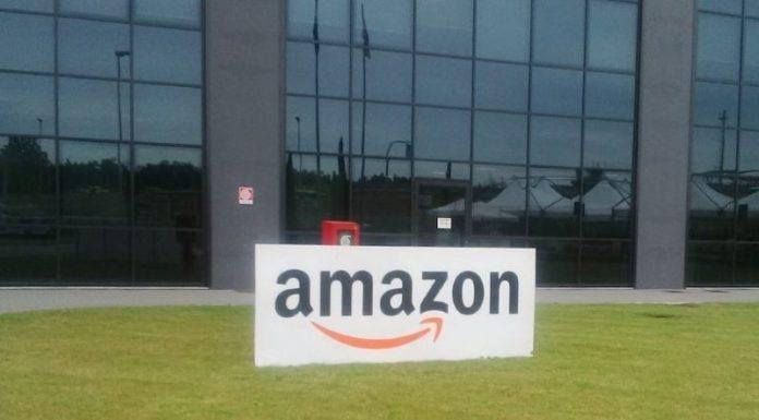 Coronavirus: Amazon assumerà camerieri che hanno perso il lavoro