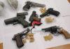 Cronaca di Napoli, nascondeva armi e droga in un monolocale: arrestato
