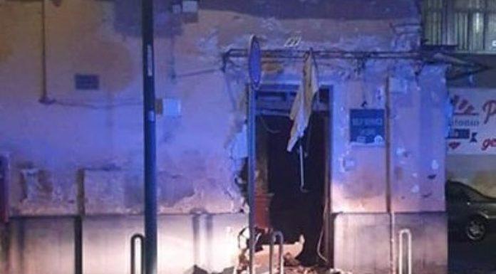 San Giovanni a Teduccio: bomba carta esplode davanti a una tabaccheria