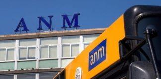 """Coronavirus a Napoli, i bus Anm sono affollati: """"Servono più controlli"""""""