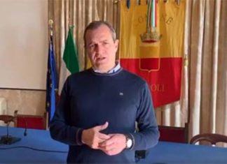 Coronavirus a Napoli: il sindaco de Magistris chiede più controlli per i supermercati
