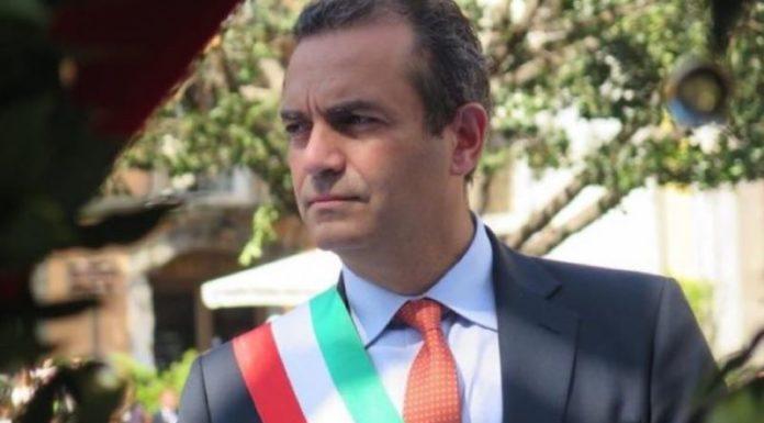 """Luigi de Magistris: """"Sanificazione per tutta la città. Basta burocrazia"""""""