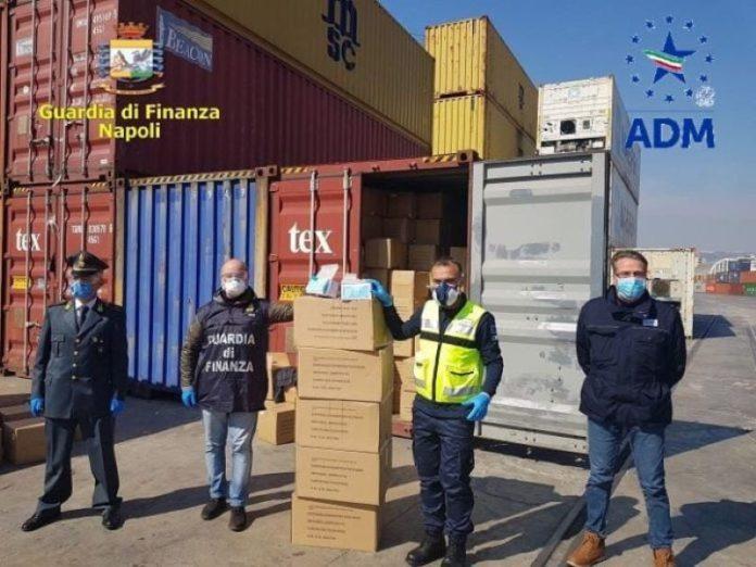 Napoli: requisito un carico di 170mila mascherine chirurgiche