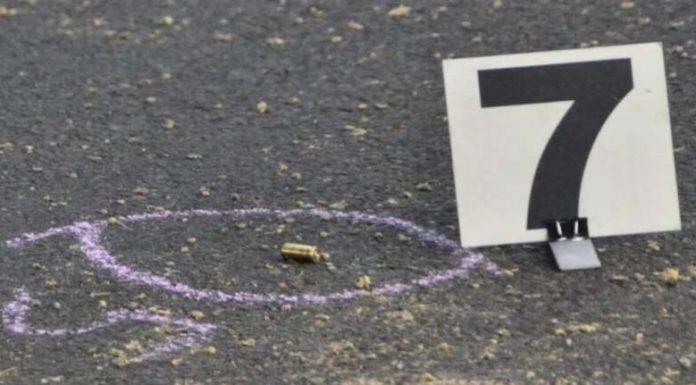 Acerra, colpi di pistola in strada: due persone sono rimaste ferite