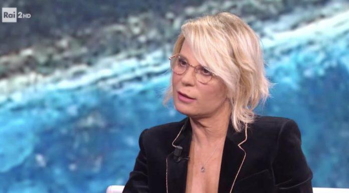 """Uomini e Donne, Maria De Filippi: """"Tina Cipollari esagera, tagliata in montaggio"""""""