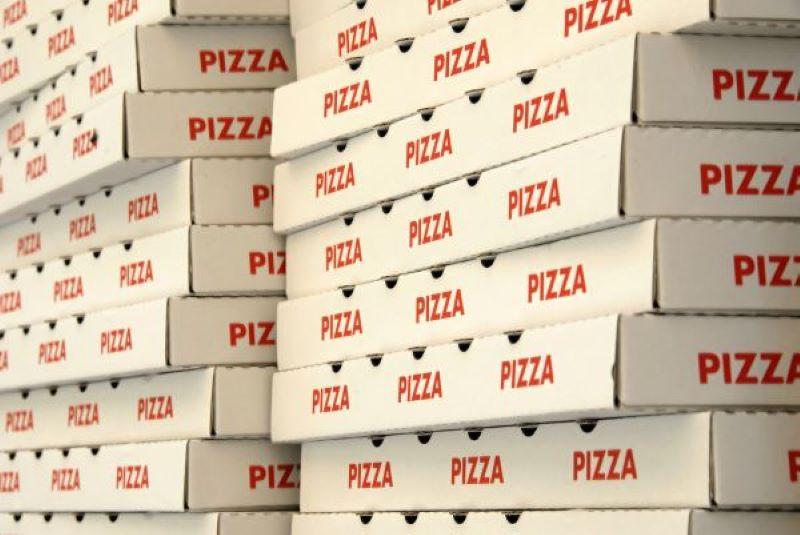 Coronavirus, fase 2 a Napoli: è boom di consegne a domicilio di pizze