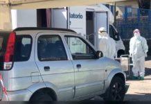 """Coronavirus, a Napoli il """"Casello tampone"""": i test dal finestrino dell'auto"""