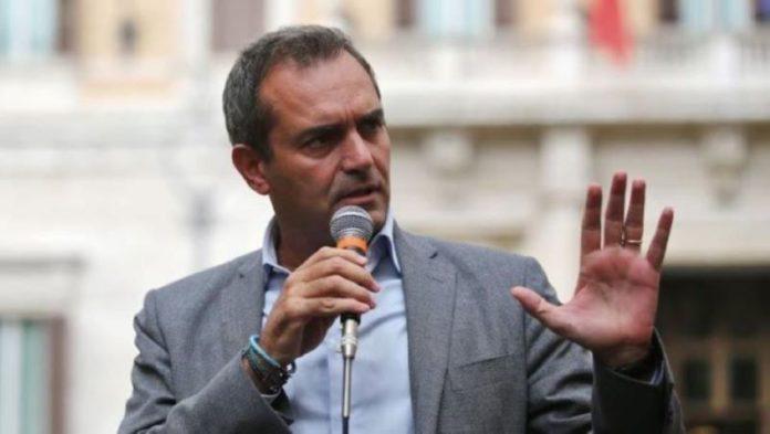 """De Magistris: """"I napoletani trattati come vil razza ma siamo responsabili"""""""