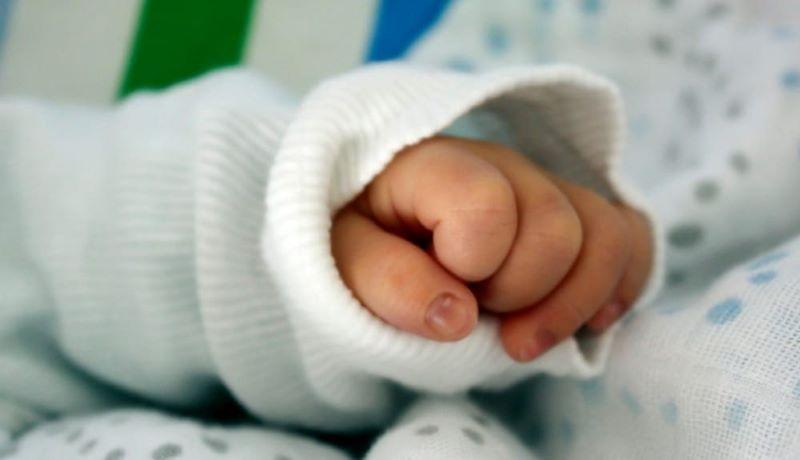 Policlinico di Napoli, positiva no vax partorisce prematura