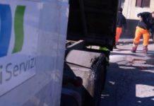 """Falsi dipendenti della """"Napoli Servizi"""" chiedono di entrare in casa"""