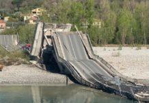 Massa Carrara, crolla ponte sul fiume Magra: il Covid-19 evita una strage