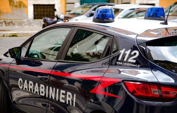 Ercolano, controlli a tappeto dei Carabinieri: sanzionate tre attività commerciali