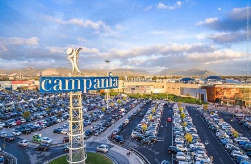Marcianise, riapre il Centro Commerciale Campania: lunghe file