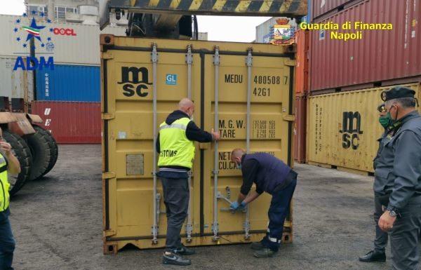 Porto di Napoli: sequestrate ben 8 tonnellate di rifiuti speciali (VIDEO)