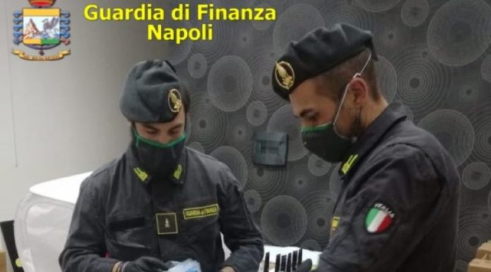 Covid 19: GdF sequestra oltre 6000 mascherine e gel igienizzante non a norma