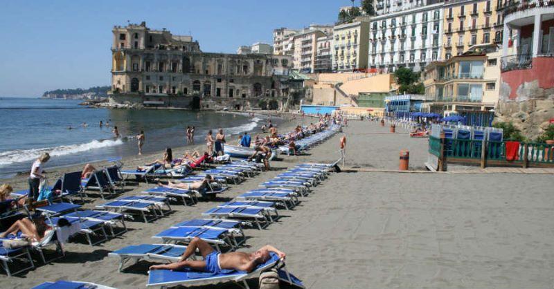 Comune di Napoli, accesso dei bagnanti alle spiagge: si farà ricorso anche alle app