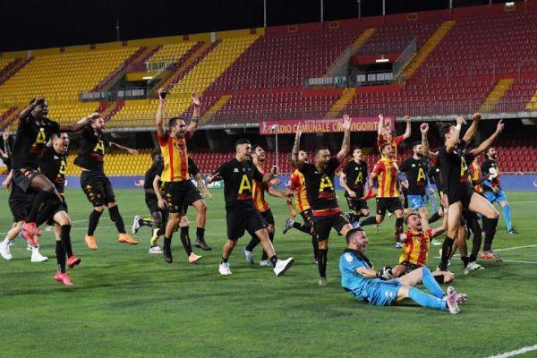 1-0 alla Juve Stabia: Benevento Calcio in serie A con sette giornate d'anticipo