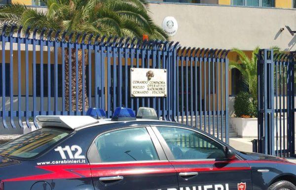 Avellino, furti in negozi di elettronica: denunciati due giovani