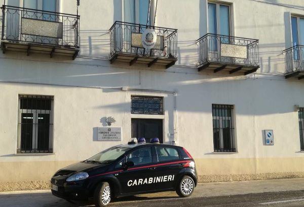 Castelfranci, 30enne aggredito con calci e pugni: 4 denunciati
