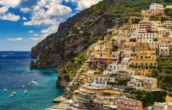 Fase 3 in Campania, bei segnali dal turismo: è boom di prenotazioni per agosto