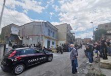 Tragedia a Pianura, costone travolge uno stabile: frana uccide due operai