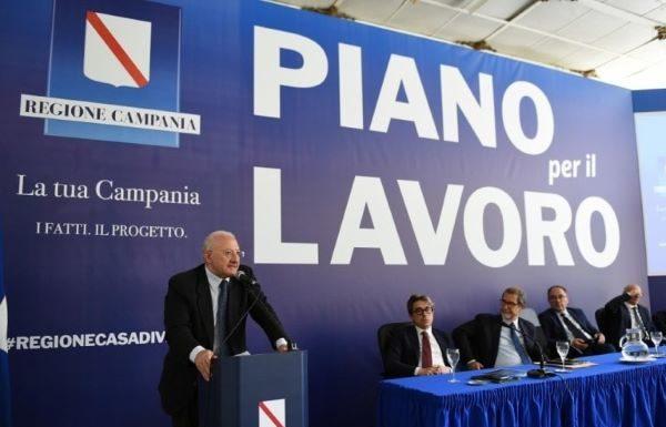 Concorsone Regione Campania, assunti i primi 2175 giovani: De Luca entusiasta