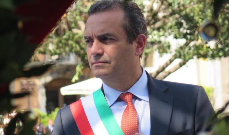 Napoli, ordinanza del sindaco de Magistris: ok a picnic, bici e monopattini nei parchi