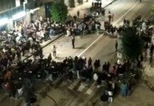 Avellino, sindaco coi giovani: assembramenti e cori contro De Luca