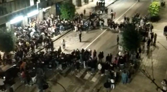 Assembramenti in piazza, multa di 400 euro per il sindaco Festa