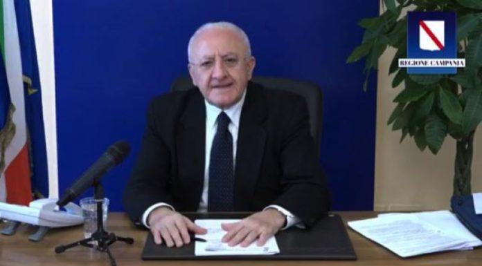 """Vincenzo De Luca: """"Dal 22 giugno uso facoltativo della mascherina all'aperto"""" (VIDEO)"""