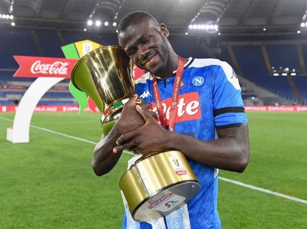 Calciomercato Napoli, in Inghilterra sicuri: è asta per Koulibaly