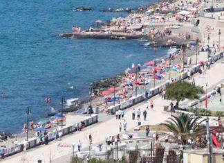 Pozzuoli, riaprono le spiagge libere: saranno gestite da associazioni