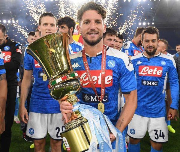 Dries Mertens: il bomber dei bomber del Calcio Napoli diventa statuina del presepe