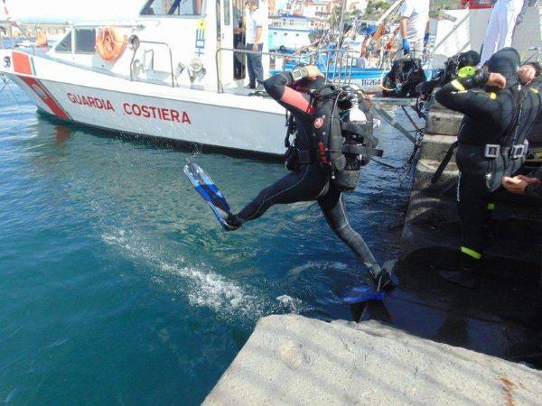 Torre del Greco, operazione Spazzamare: tolti ben 350 chili di rifiuti dalle acque