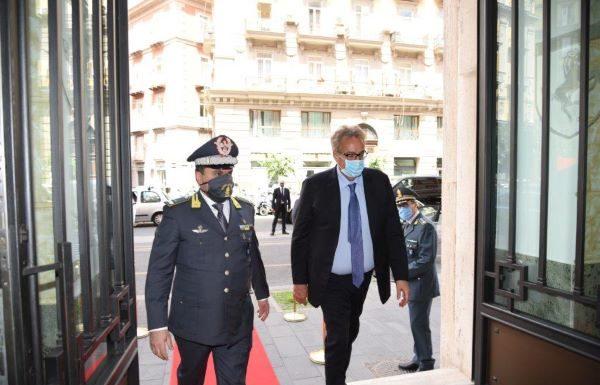 Guardia di Finanza di Napoli: visita del prefetto Marco Valentini