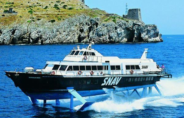 Snav: da domani ripartono i collegamenti tra Napoli e le Eolie